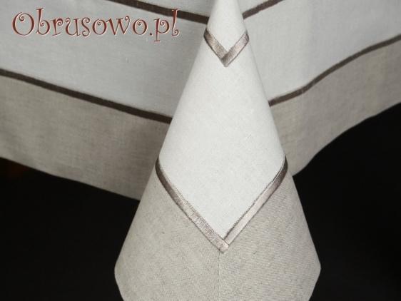 Obrus haftowany JAGNA 140x250 (L)