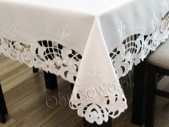 """Duży biały obrus haftowany """"Zaira"""" 150x300 biały"""