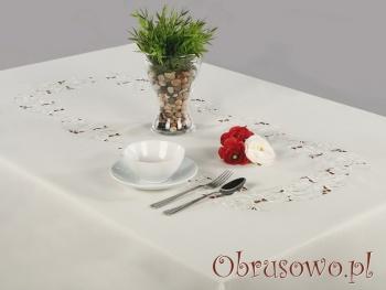 """Owalny obrus haftowany """"Barbara"""" 140x200"""