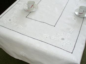 Obrus ręcznie haftowany 140x200