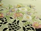 """Serweta haftowana 85x85 """"Motyle na kwiatach"""""""
