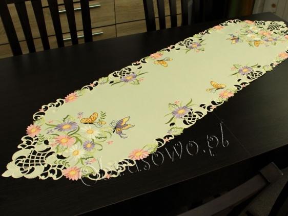 """Bieżnik haftowany 40x140 """"Motyle na kwiatach"""""""