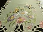 """Mały bieżnik haftowany 30x70 """"Motyle na kwiatach"""""""