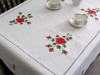 """Obrus z ręcznym haftem 145x250 """"Czerwone róże"""""""