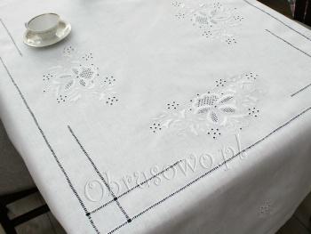 Ręcznie haftowany obrus lniany 145x185