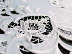 Serweta haftowana TINA Ø 60 biała