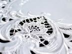 Serweta haftowana TINA Ø 40 biała