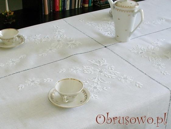 """obrus lniany haft ręczny """"Kwiat Jabłoni"""" 145x225"""