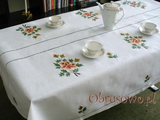 """Ręcznie haftowany obrus """"Brązowa Róża"""" 140x230"""